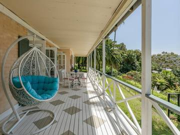 Renting out with online payment: Covered Porch with Seating Area