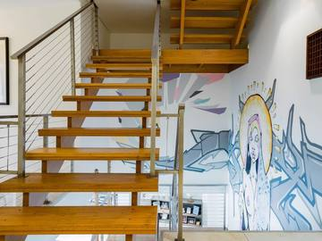 Renting out with online payment: Beautiful Staircase