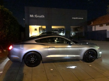 Renting out with online payment: Ford Mustang GT 2020 silver