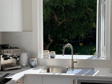 Renting out with online payment: Modern kitchen - bush setting