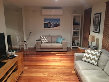Renting out with online payment: Modern Lounge Area