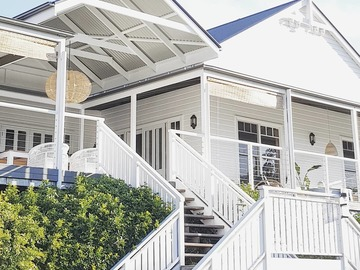 Renting out with online payment: All White Sydney Acreage in The Hawkesbury