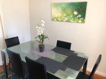 Renting out with online payment: Modern Dining Area