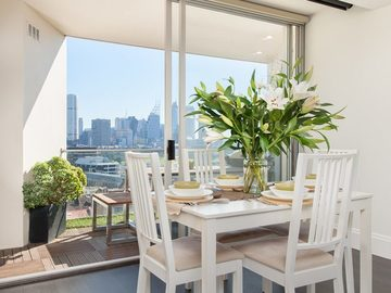 Renting out with online payment: Living Room with view