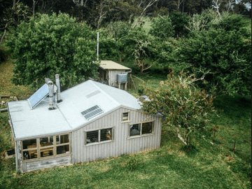 Renting out with online payment: Off  The Grid Bush Hut