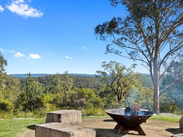 Renting out with online payment: Stunning Fire Pit with Views
