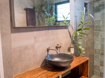Renting out with online payment: Beautiful Bathroom