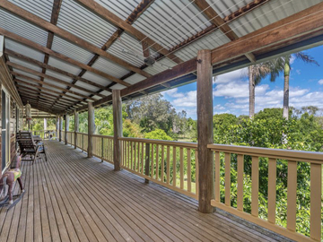Renting out with online payment: Timber Balcony with a Beautiful View