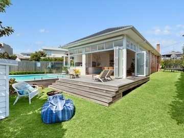 Renting out with online payment: Huge Garden and Deck Area