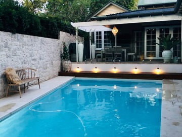 Renting out with online payment: Pool and A Beautiful Door
