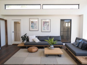 Renting out with online payment: Comfy Seating Area