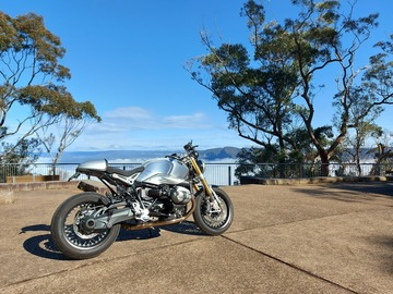 Renting out with online payment: BMW R Nine T classic cafe racer