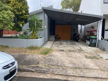 Renting out with online payment: Driveway in Randwick