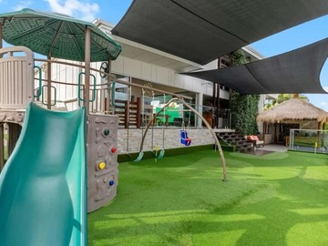 Renting out with online payment: Play Area Overlooking the Waters