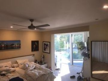 Renting out with online payment: Spacious and Light-Filled Bedroom