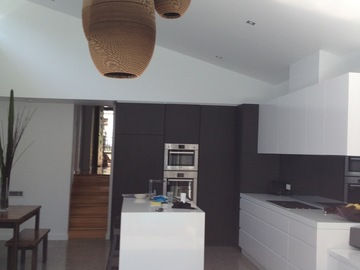 Renting out with online payment: Minimalist and Spacious Kitchen