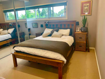Renting out with online payment: Urban Cottage Bedroom