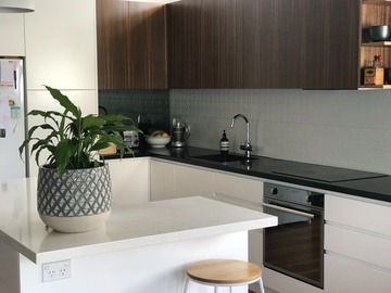 Renting out with online payment: Urban Cottage Open Plan Kitchen