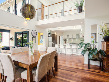 Renting out with online payment: Spacious Dining Room and Kitchen