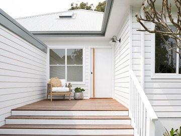 Renting out with online payment: House entrance - porch