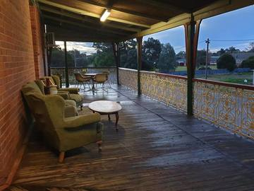 Renting out with online payment: Deck with Sitting Area
