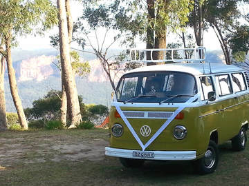Renting out with online payment: Vintage VW Kombi 1975 bus