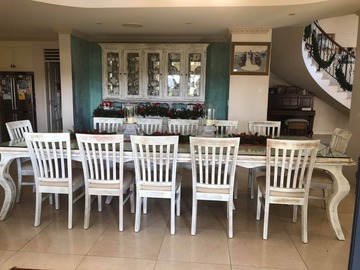 Renting out with online payment: Stunning Dining Room