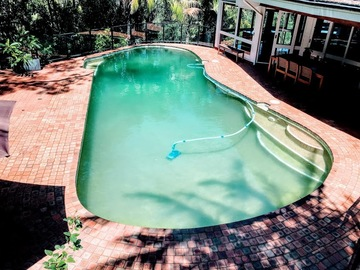 Renting out with online payment: Large Outdoor Pool