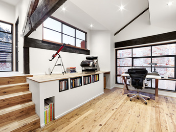 Renting out with online payment: Well-Light Workspace