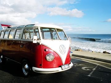 Renting out with online payment: 1961 Kombi Deluxe Microbus