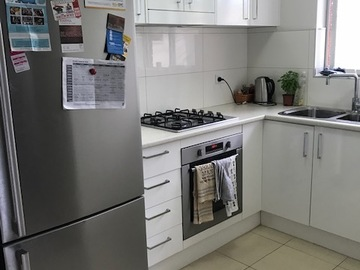 Renting out with online payment: Small kitchen in Freshwater, close to the beach