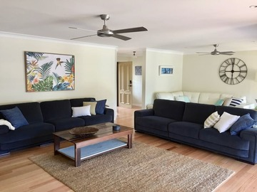 Renting out with online payment: Lounge area with fireplace