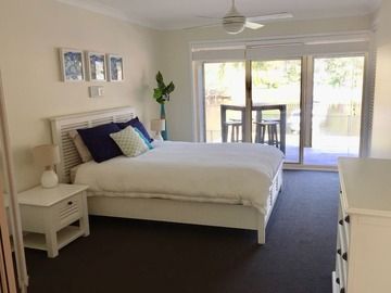 Renting out with online payment: White interior bedroom with a view