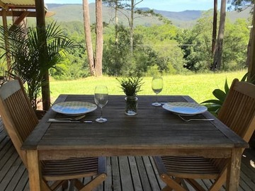 Renting out with online payment: Dining area with a valley view