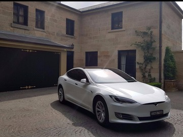 Renting out with online payment: Tesla Model S